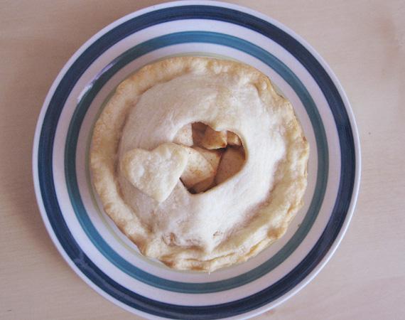 apple pie heart