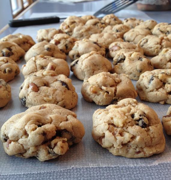 walnutraisincookie