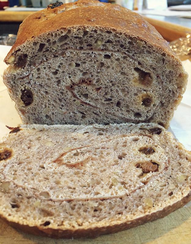 cinnamonrollbread2