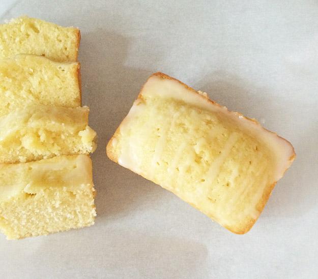 tiny pound cakes